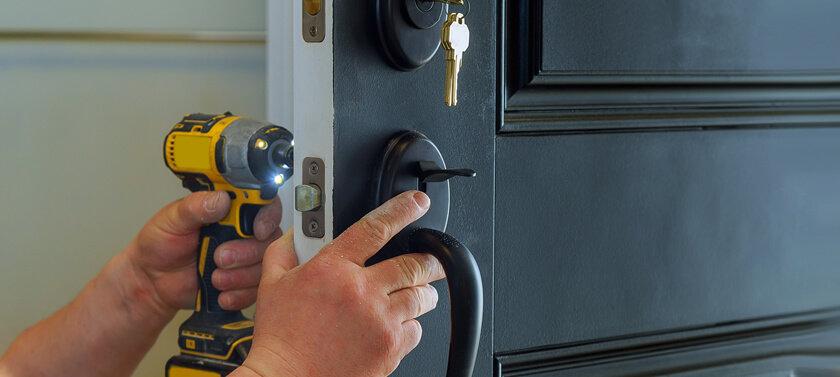 איך כדי למגן את דלת הבית